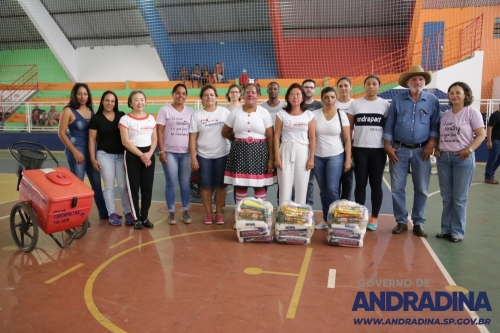 Galeria entrega-de-kits-do-natal-solidario